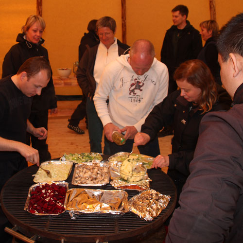 fjordcamp spisning i tipi eller telt