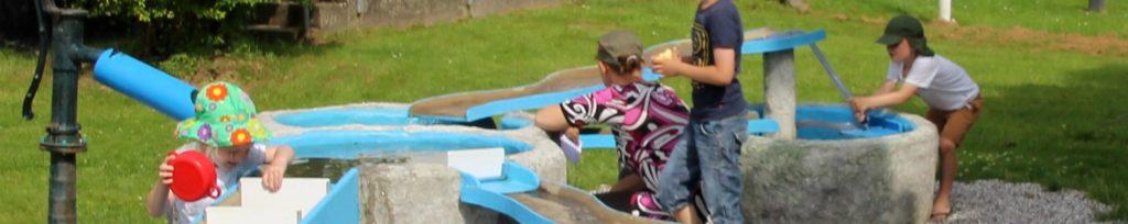 vandlegeplads med børn