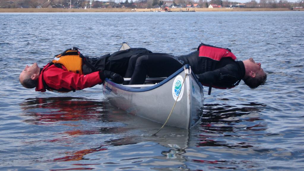 En kano er faktisk en stabil lille båd, det handler om balance.