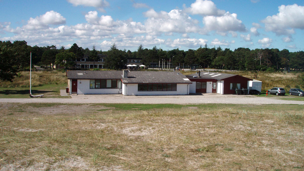 """Grenaa Naturskole """"Klithuset"""" ligger i første klitrække."""