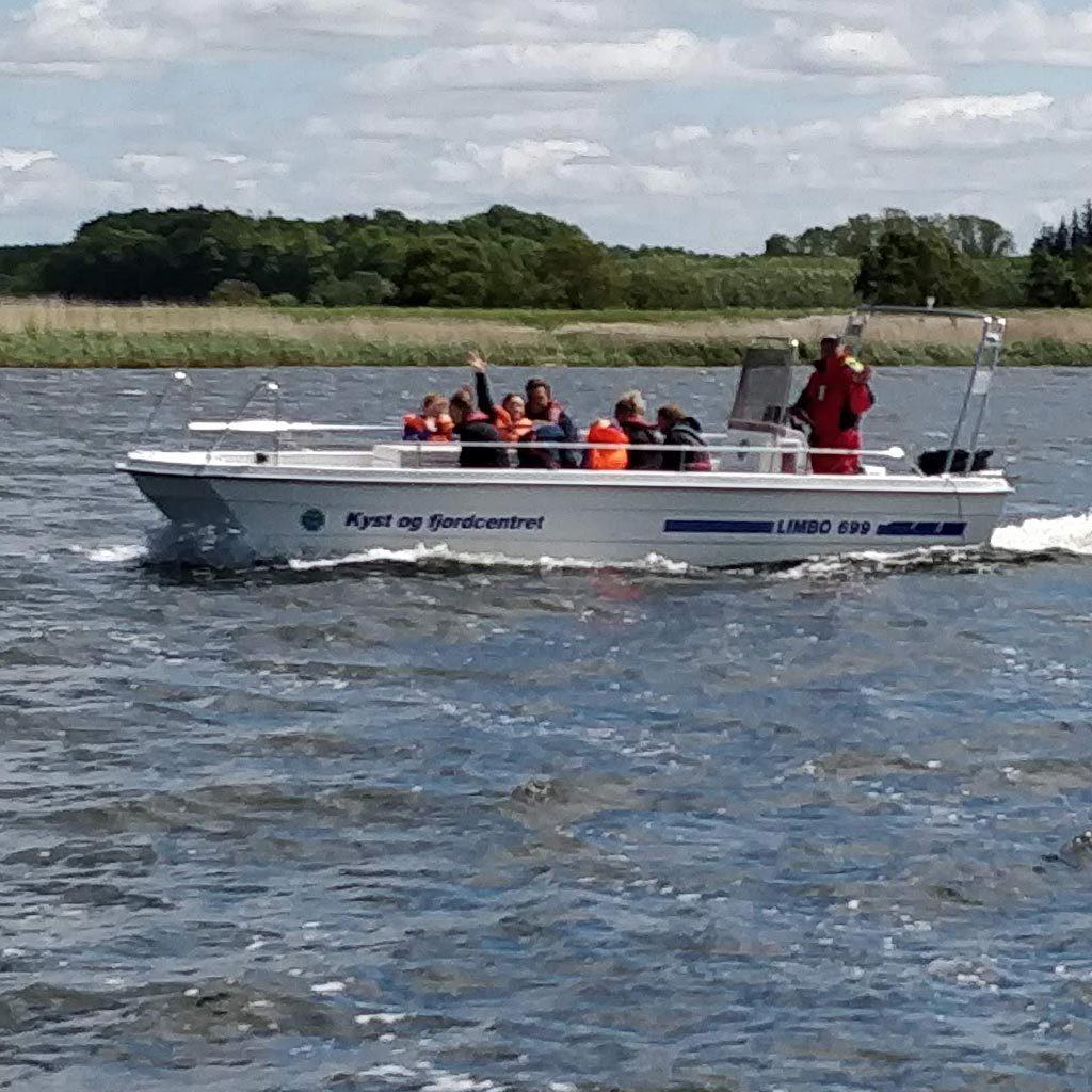 Tur båd i Naturpark Randers fjord.