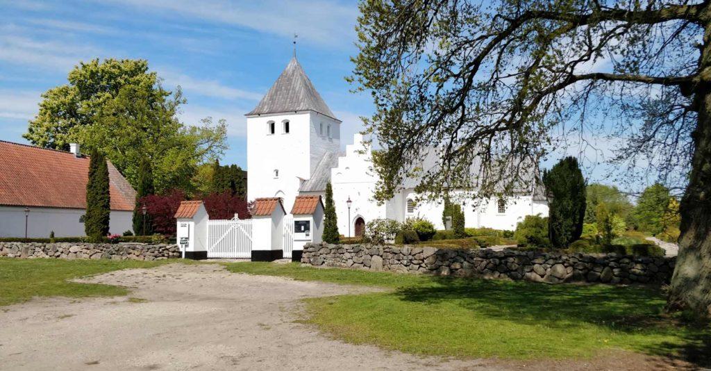 Estruplund Kirke
