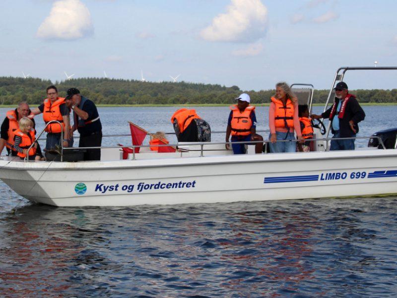 Vores turbåde er fladbundede og meget søstærke.